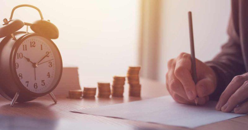 Vyplatí se vkládat peníze nastavební spoření nakonci roku?